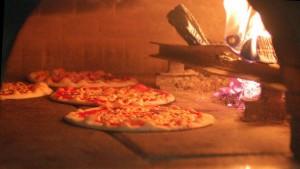 le-pergamene-pizza-nel-forno-a-legna-c6816